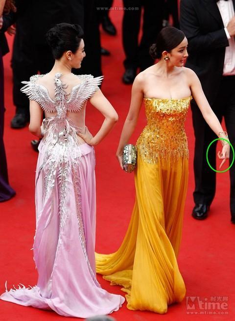 Những lần náo loạn thảm đỏ Cannes của sao Hoa ngữ: Từ mỹ nhân hạng A đến người đẹp vô danh chiêu trò đủ kiểu khiến truyền thông ngao ngán - Ảnh 10.