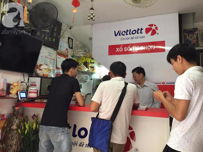 Người trúng giải Vietlott hơn 303 tỷ đồng đã liên hệ nhận thưởng - Ảnh 1.