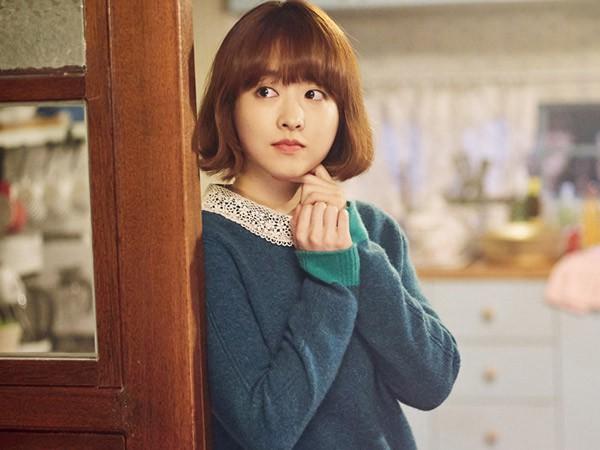 Ghen với Han Ji Min và Kim Hyun Joo, Park Bo Young bất ngờ gửi xe đồ ăn cho Park Hyung Sik - Ảnh 1.