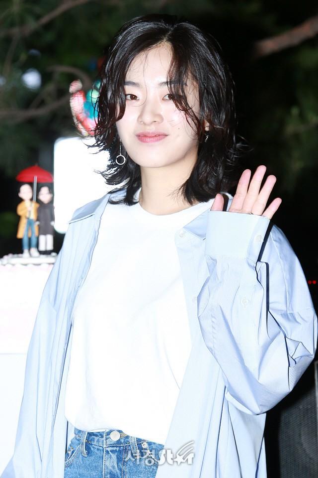 Tiệc mừng công phim Chị đẹp: Jung Hae In bị biển fan vây kín, Son Ye Jin đẹp bất chấp giữa dàn sao - Ảnh 17.