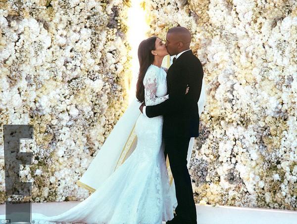 Ngoài Meghan Markle, 2 người đẹp nổi tiếng này cũng chọn Givenchy thiết kế váy cưới lần 2 của mình  - Ảnh 4.