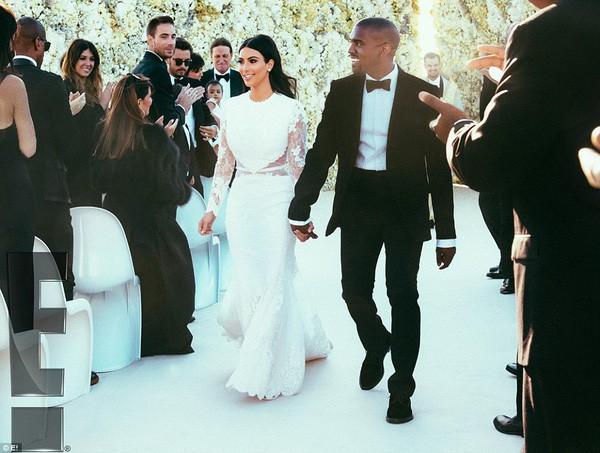 Ngoài Meghan Markle, 2 người đẹp nổi tiếng này cũng chọn Givenchy thiết kế váy cưới lần 2 của mình  - Ảnh 5.
