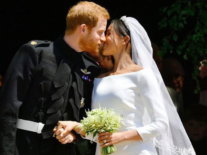 Dù kết hôn với Hoàng tử Anh, Meghan vẫn không được công nhận là công dân Anh trong vài năm tới - Ảnh 2.