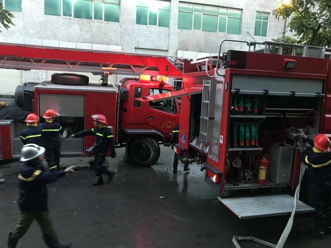 Cảnh tan hoang bên trong căn nhà cháy tại tầng 18 chung cư ở Hà Đông - Ảnh 13.