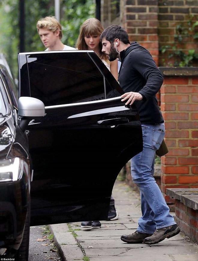 Paparazzi vất vả mới săn được hình ảnh hẹn hò hiếm hoi của Taylor Swift cùng bạn trai mỹ nam - Ảnh 3.