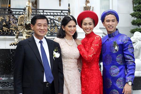 Cùng diện áo dài đỏ ngày ăn hỏi, Diệp Lâm Anh, HH Thu Thảo và Hà Tăng lại chọn 3 phong cách hoàn toàn khác nhau - Ảnh 14.