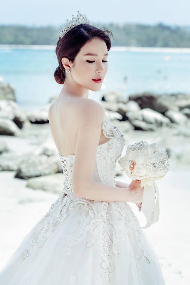 Hậu đám cưới bạc tỉ, Diệp Lâm Anh khoe ảnh cưới ngọt ngào cùng chồng thiếu gia  - Ảnh 2.