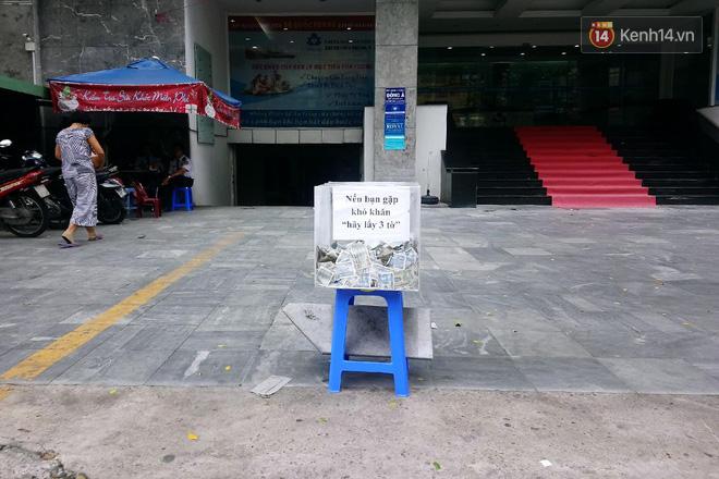 Những câu chuyện phía sau thùng tiền Bạn gặp khó khăn, lấy 3 tờ ở Sài Gòn: Từng có nhóm thanh niên đem bịch nilon tới hốt! - Ảnh 4.
