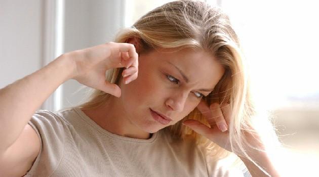 Khi bị nước vào tai gây ù: Đây là cách xử lý tốt nhất để tránh nguy cơ mắc bệnh viêm nhiễm tai phiền phức - Ảnh 2.