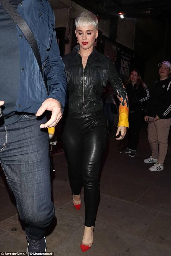 Katy Perry vui vẻ đi hẹn hò với Orlando Bloom sau loạt nghi vấn từng bị cưỡng hiếp - Ảnh 2.