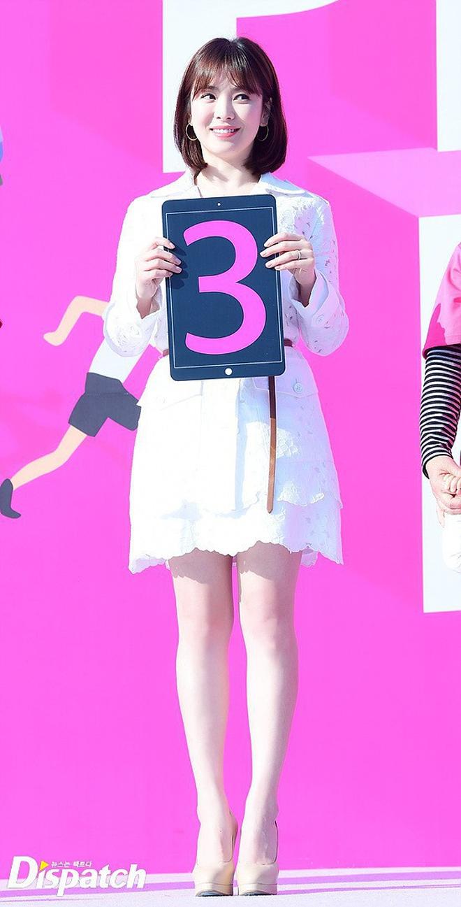 Nhan sắc Song Hye Kyo và nữ chính tin đồn Hậu Duệ Mặt Trời Nhã Phương: Chưa nhận vai đã bị đặt lên bàn cân - Ảnh 15.