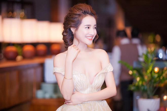 Nhan sắc Song Hye Kyo và nữ chính tin đồn Hậu Duệ Mặt Trời Nhã Phương: Chưa nhận vai đã bị đặt lên bàn cân - Ảnh 18.
