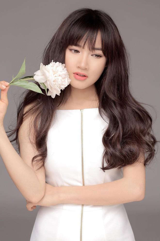 Nhan sắc Song Hye Kyo và nữ chính tin đồn Hậu Duệ Mặt Trời Nhã Phương: Chưa nhận vai đã bị đặt lên bàn cân - Ảnh 9.