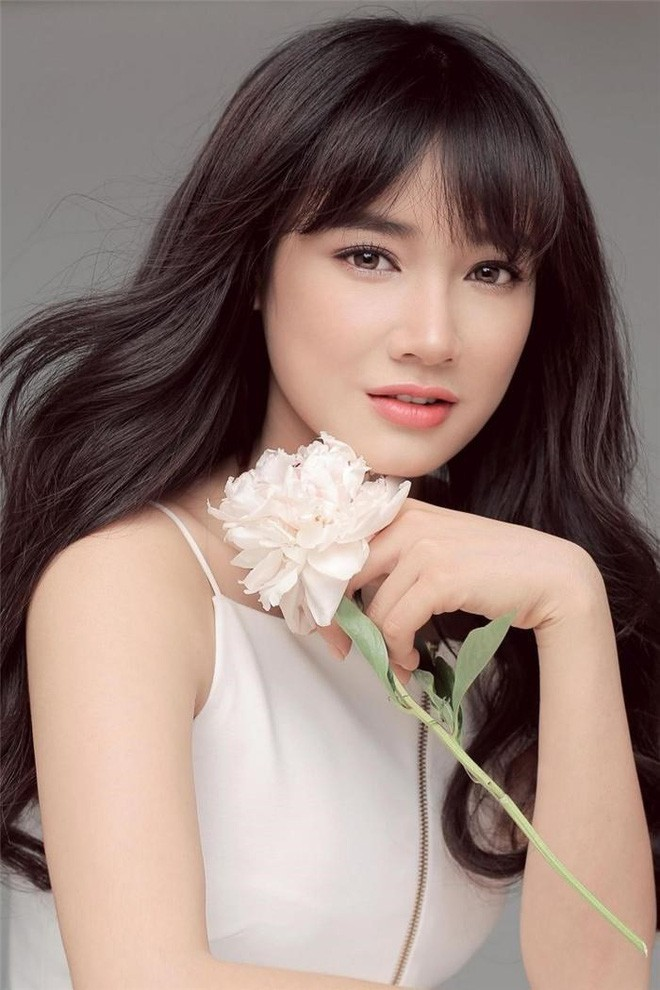 Nhan sắc Song Hye Kyo và nữ chính tin đồn Hậu Duệ Mặt Trời Nhã Phương: Chưa nhận vai đã bị đặt lên bàn cân - Ảnh 10.