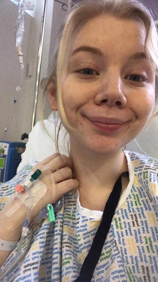 Cô gái trẻ chấp nhận mãn kinh sớm để ngăn chặn cơn đau dai dẳng mỗi lần đèn đỏ vì căn bệnh mà nhiều phụ nữ mắc phải - Ảnh 2.