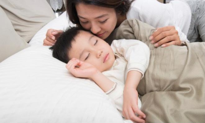 Gợi ý cùng mẹ 3 tuyệt chiêu giúp gọi con dậy buổi sáng nhàn tênh - Ảnh 2.