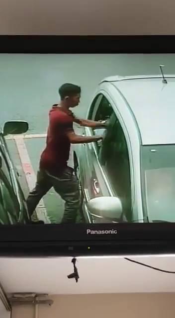 Clip: Trộm liều lĩnh đập kính, chôm đồ trên ô tô nhanh như chớp - Ảnh 5.