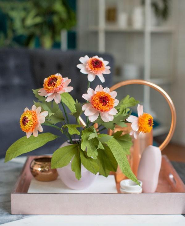 Mách bạn cách làm hoa cúc giấy cực xinh cực dễ - Ảnh 4.
