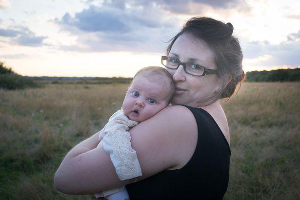 Vẫn cho con 4 tuổi bú, mẹ giải thích vì sao không nên cai sữa cho trẻ quá sớm - Ảnh 2.