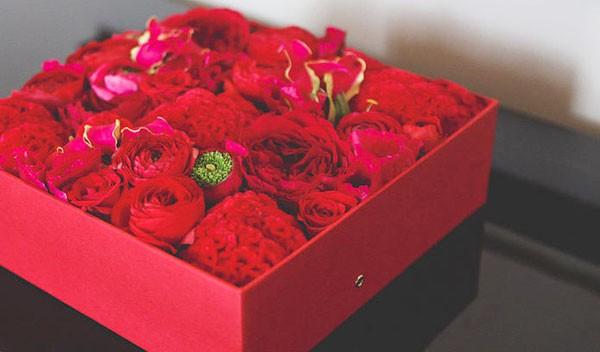 Không cần ra tiệm nữa bạn có thể tự cắm hoa hồng trong hộp siêu đẹp - Ảnh 7.