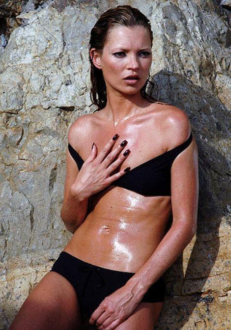 Kate Moss trở thành siêu mẫu đắt giá nhất nước Anh giữ dáng bằng những cách này - Ảnh 10.