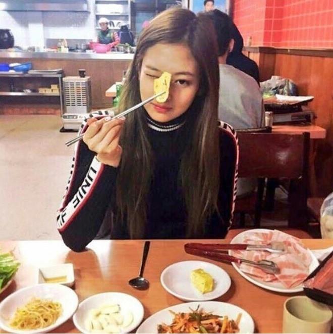Bí quyết gì giúp Jennie Kim (Black Pink) duy trì được vóc dáng tuyệt hảo không có nổi 1% mỡ thừa? - Ảnh 4.