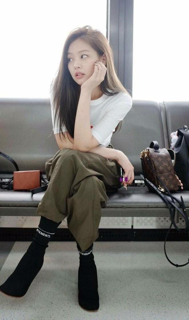 Bí quyết gì giúp Jennie Kim (Black Pink) duy trì được vóc dáng tuyệt hảo không có nổi 1% mỡ thừa? - Ảnh 6.