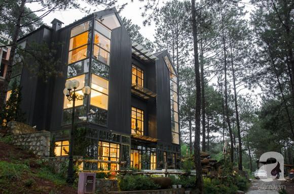 Biệt thự đẹp lãng mạn trên đồi thông ở Đà Lạt trị giá 25 tỷ đồng của siêu mẫu Phan Như Thảo và chồng đại gia - Ảnh 2.
