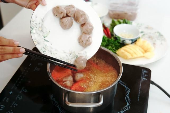 Ba gợi ý món ăn ngon, bổ, nấu siêu nhanh cho những ngày hè lười vào bếp - Ảnh 3.