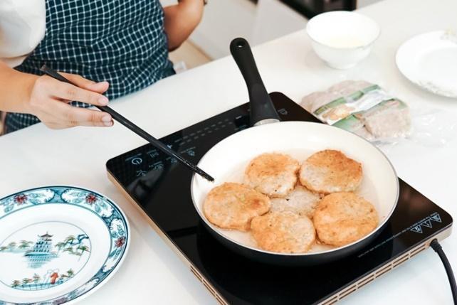 Ba gợi ý món ăn ngon, bổ, nấu siêu nhanh cho những ngày hè lười vào bếp - Ảnh 8.