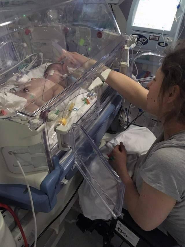 Căn bệnh này có thể lây nhiễm từ mẹ sang con trong quá trình sinh nở khiến trẻ sơ sinh tử vong sau khi chào đời - Ảnh 2.