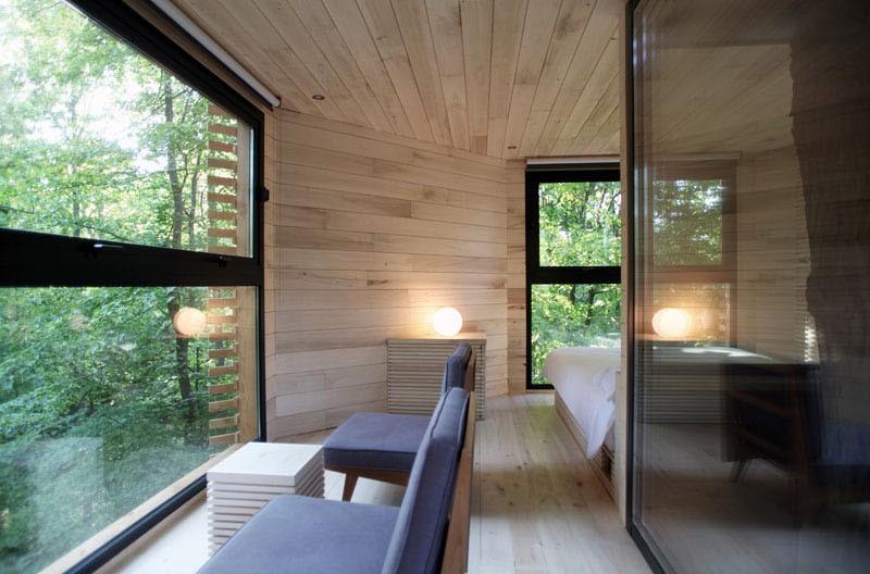 Ngôi nhà trên cây nằm giữa rừng xanh có đầy đủ tiện nghi như khách sạn - Ảnh 5.
