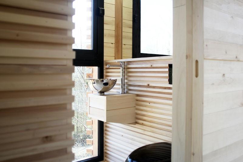 Ngôi nhà trên cây nằm giữa rừng xanh có đầy đủ tiện nghi như khách sạn - Ảnh 7.