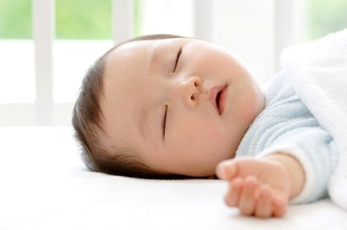 Trẻ không được ngủ đủ giấc có thể mắc phải các vấn đề sức khỏe sau đây  - Ảnh 3.