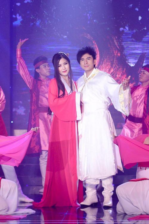 Đan Trường - Hương Tràm gây ấn tượng khi cover lại ca khúc Thần Thoại của Thành Long - Kim Hee Sun - Ảnh 2.