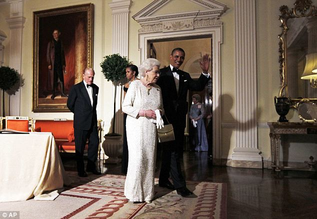 Không phải khách sạn, Tổng thống Mỹ Donald Trump và phu nhân sẽ ở dinh thự lộng lẫy này khi đến Anh - Ảnh 5.