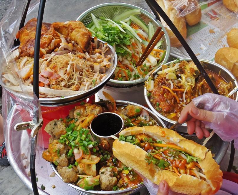 Xem để thấy người Sài Gòn rất biết tận dụng xíu mại trong nhiều món ngon như thế này đây - Ảnh 1.