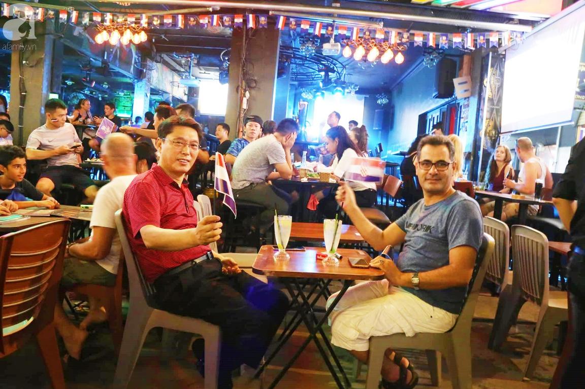 Chung kết World Cup, người Sài Gòn và Hà Nội háo hức trước trận cầu lịch sử giữa Pháp - Croatia - Ảnh 8.