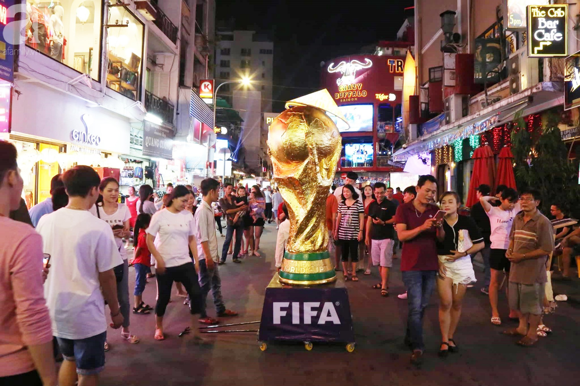 Chung kết World Cup, người Sài Gòn và Hà Nội háo hức trước trận cầu lịch sử giữa Pháp - Croatia - Ảnh 6.