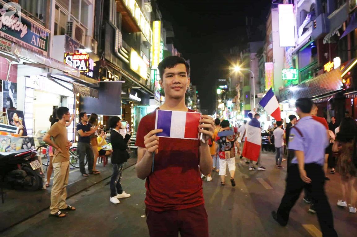 Chung kết World Cup, người Sài Gòn và Hà Nội háo hức trước trận cầu lịch sử giữa Pháp - Croatia - Ảnh 7.