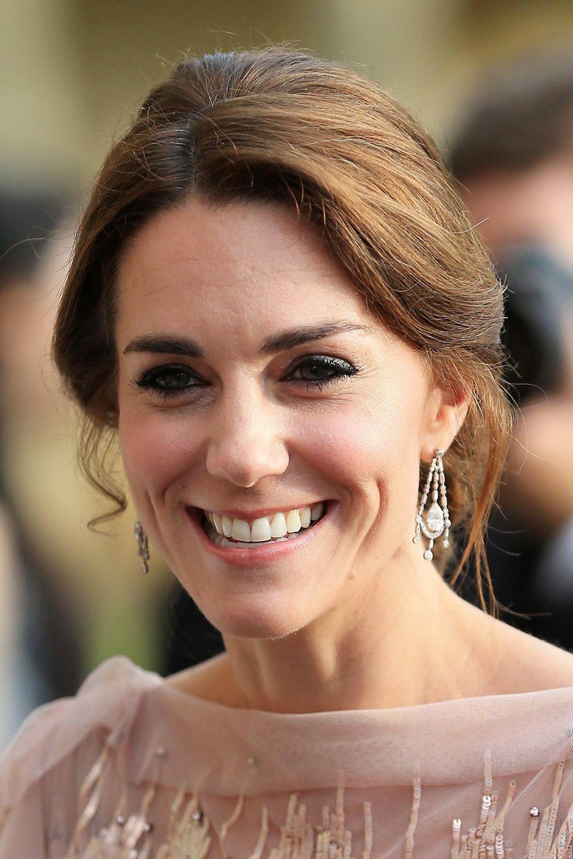 duchess-of-cambridge-beauty-vogue-23jun16-getty_b