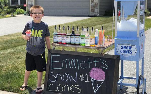 Ông bố dạy con bài học đầu tiên về tiền bạc, không ngờ cậu bé lại kinh doanh thành công ngay từ khi 6 tuổi - Ảnh 1.