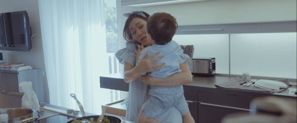 Mẹ bỉm sữa Thu Minh hé lộ những hình ảnh chăm sóc con trai đáng yêu - Ảnh 4.