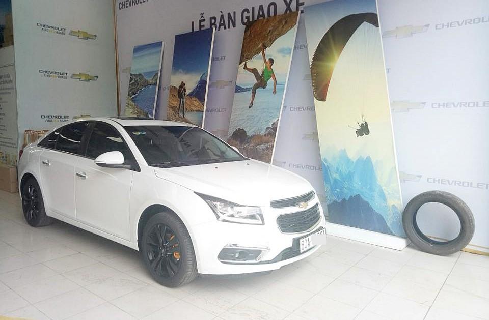 Cô gái Biên Hòa khoe được bạn trai tặng ô tô, tiền vàng ngập tay, dân mạng chỉ soi vào chi tiết này để bóc mẽ nàng sống ảo - Ảnh 7.