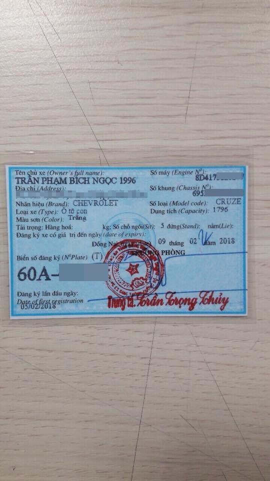Cô gái Biên Hòa khoe được bạn trai tặng ô tô, tiền vàng ngập tay, dân mạng chỉ soi vào chi tiết này để bóc mẽ nàng sống ảo - Ảnh 9.