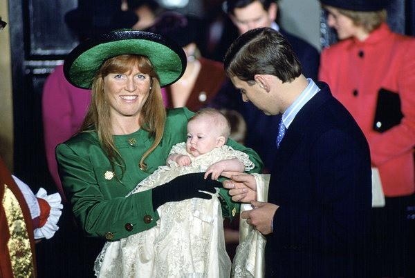 17 bức ảnh lung linh trong lễ rửa tội của các em bé Hoàng gia Anh, được cất giữ như báu vật vì hội tụ toàn nhân vật quyền lực - Ảnh 8.