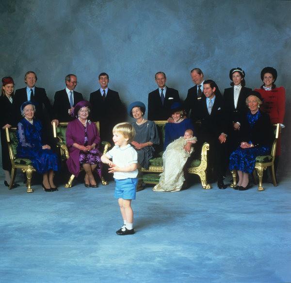 17 bức ảnh lung linh trong lễ rửa tội của các em bé Hoàng gia Anh, được cất giữ như báu vật vì hội tụ toàn nhân vật quyền lực - Ảnh 10.