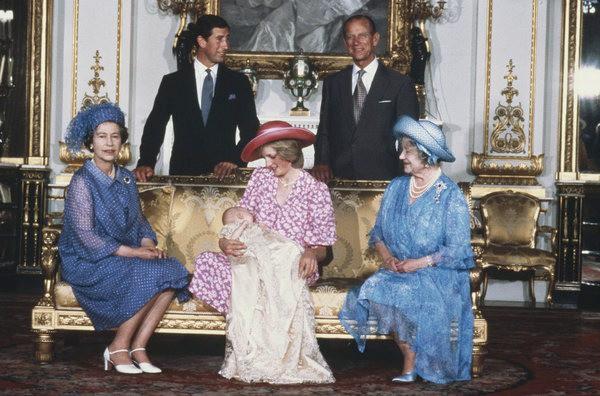 17 bức ảnh lung linh trong lễ rửa tội của các em bé Hoàng gia Anh, được cất giữ như báu vật vì hội tụ toàn nhân vật quyền lực - Ảnh 11.