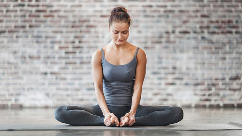Bạn thường xuyên bị mất ngủ, hãy lưu ngay những bài tập yoga này để nhanh chóng có được giấc ngủ ngon - Ảnh 3.