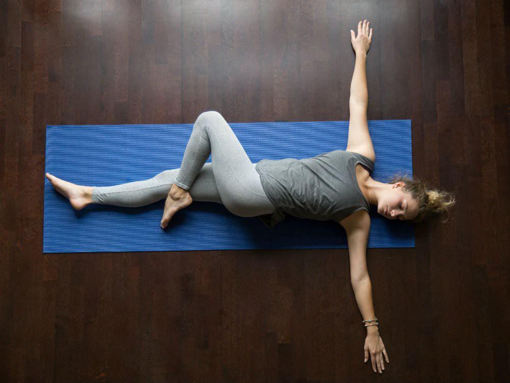 Bạn thường xuyên bị mất ngủ, hãy lưu ngay những bài tập yoga này để nhanh chóng có được giấc ngủ ngon - Ảnh 6.